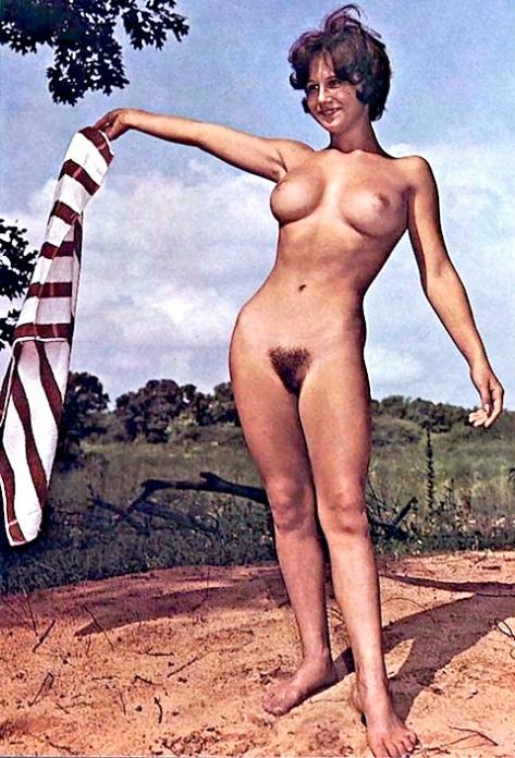 tanushree dutta nude showing