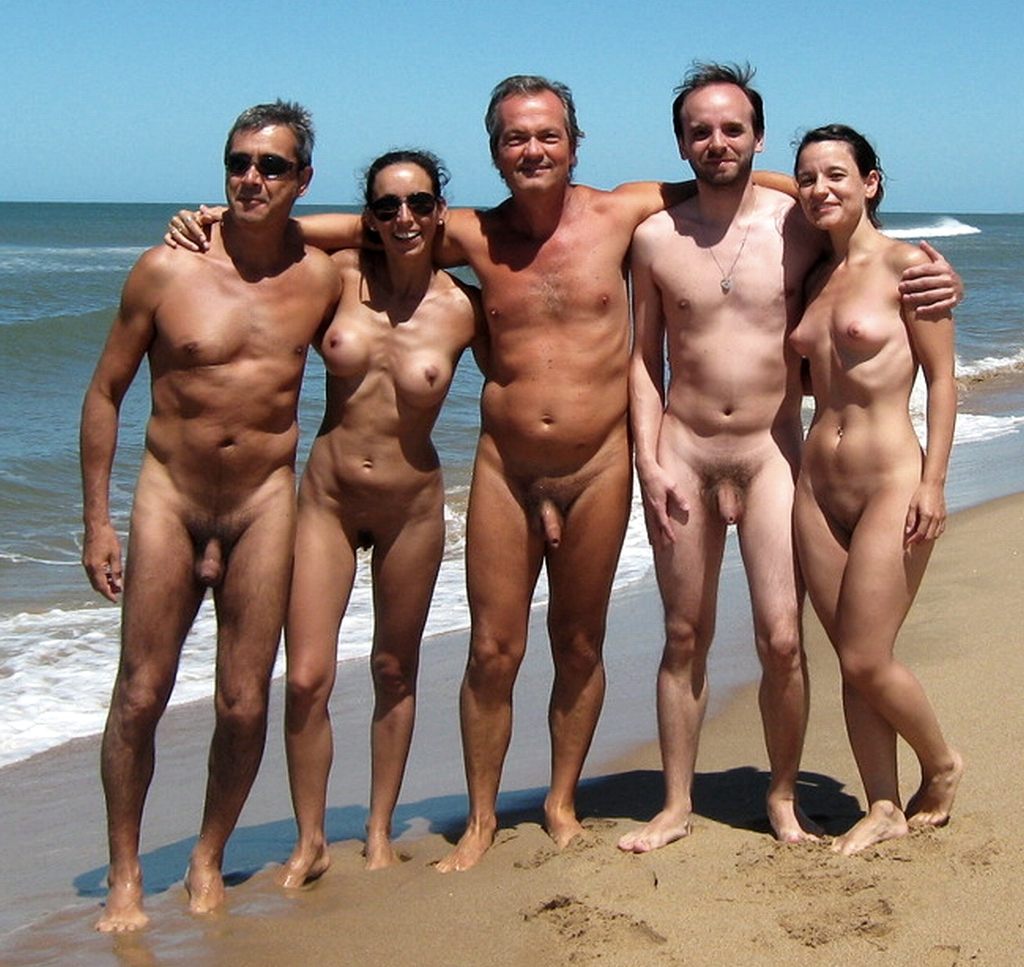 Video! hot nudist couples boy